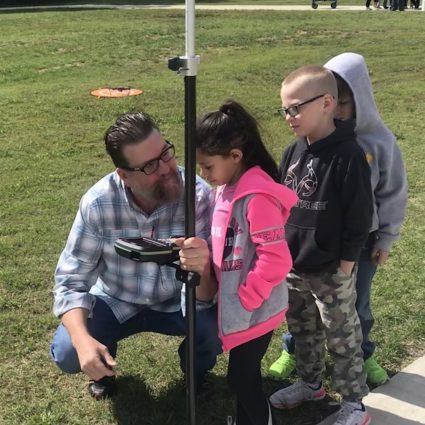 Visting Oakmont Elementary allowed kindergarten through 5th grade students to gain insight into the land surveying profession. Tamara and Jason teamed up to allow the students to have a hands-on experience with today's land surveying technology.